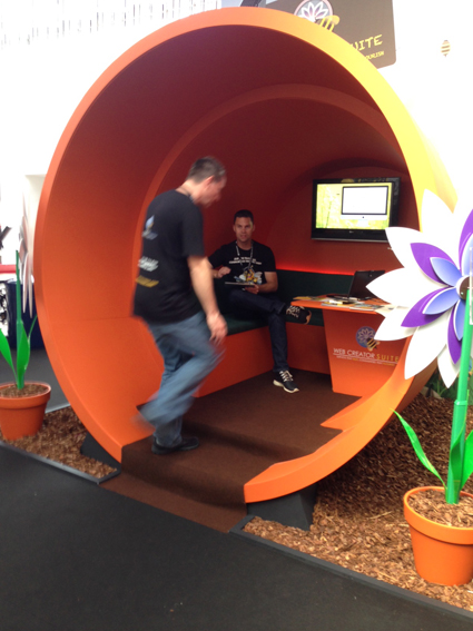 Have a seat in my flower pot. Why not! Nice-Different from @webcreatorsuite #MWL14